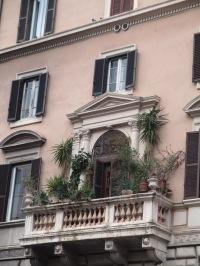 Wunderschöner Balkon gegenüber