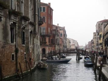 Das Wahrzeichen der Stadt - die Brücke - in so vielen Varianten