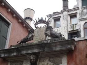 Noch ein Wahrzeichen von Venedig: Der Löwe