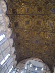 goldene Decke mit Bildern