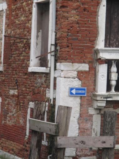 """Auch das gibt es in Venedig :) eine Einbahn""""straße"""", bzw. ein Einbahncanal"""