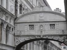 Die Seufzerbrücke, Ponto dei Sospiri, auf der so mancher seufzte, der ins Gefängnis geführt wurde
