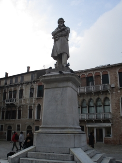 Monumento Niccolo' Tommaseo