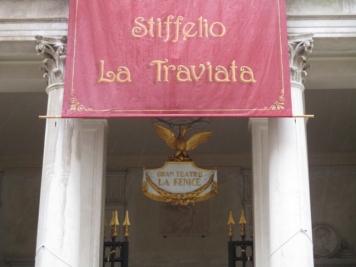 Die Traviata würde ich hier gerne mal hören