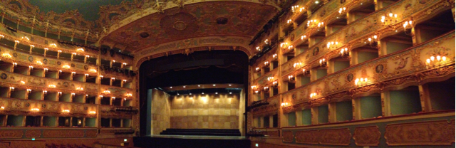 Panorama mit Bühne