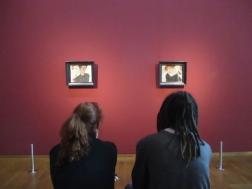 Die berühmten Portraits. Nebeneinander erkennt man den Bezug zwischen beiden. Die Bilder scheinen genau so zusammen zu gehören.