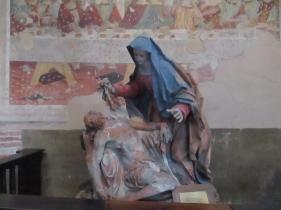 Pieta und dahinter