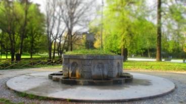 Ein verträumter Brunnen