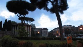 Die Temple in der Abenddämmerung