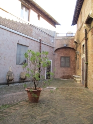 Ein kleiner Innenhof