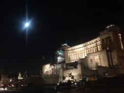 Piazza Venezia und Vollmond