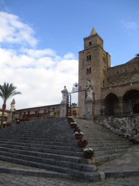 Die Treppen zur Kathedrale