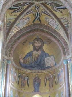 Christus als Pantokrator im Apsismosaik des Doms