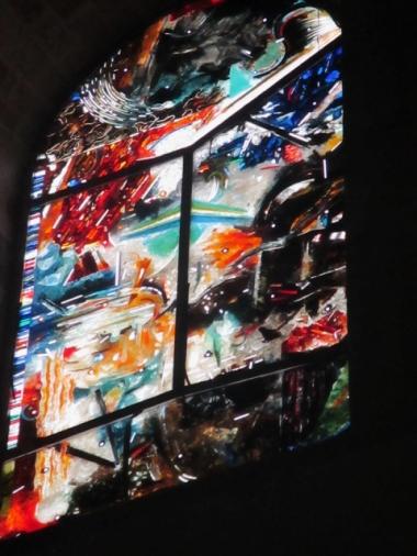 """""""Die Glasfenster von Cefalù gehören wohl zu den besten liturgischen Kunstwerken, die in Italien nach dem Konzil geschaffen worden sind."""""""