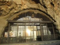 Der Eingang zur Kirche