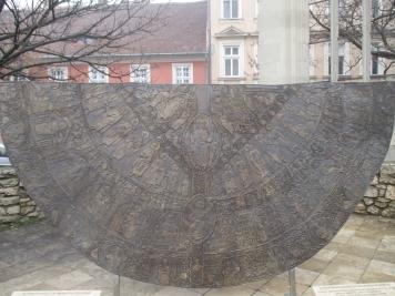 Nachbildung des Königsmantel aus Kupfer