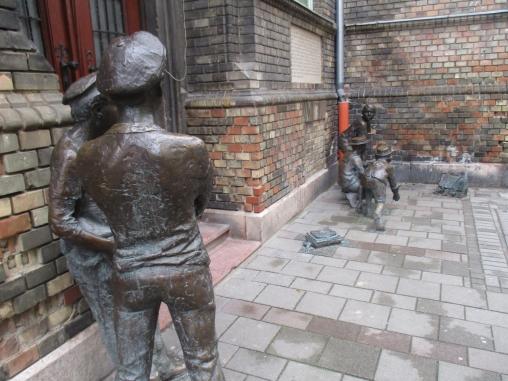 """Skulpturengruppe """"Die Jungen von der Paulstraße"""""""