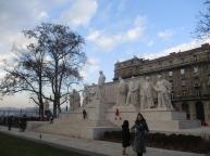 Das Kossuth Monument erinnert an die ungarischen Aufstände und gedenkt der Opfer mit einer ewigen Flamme