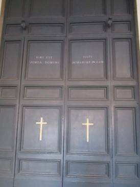 Die Kirchentüren
